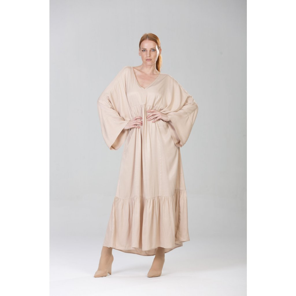 Letní béžové šaty