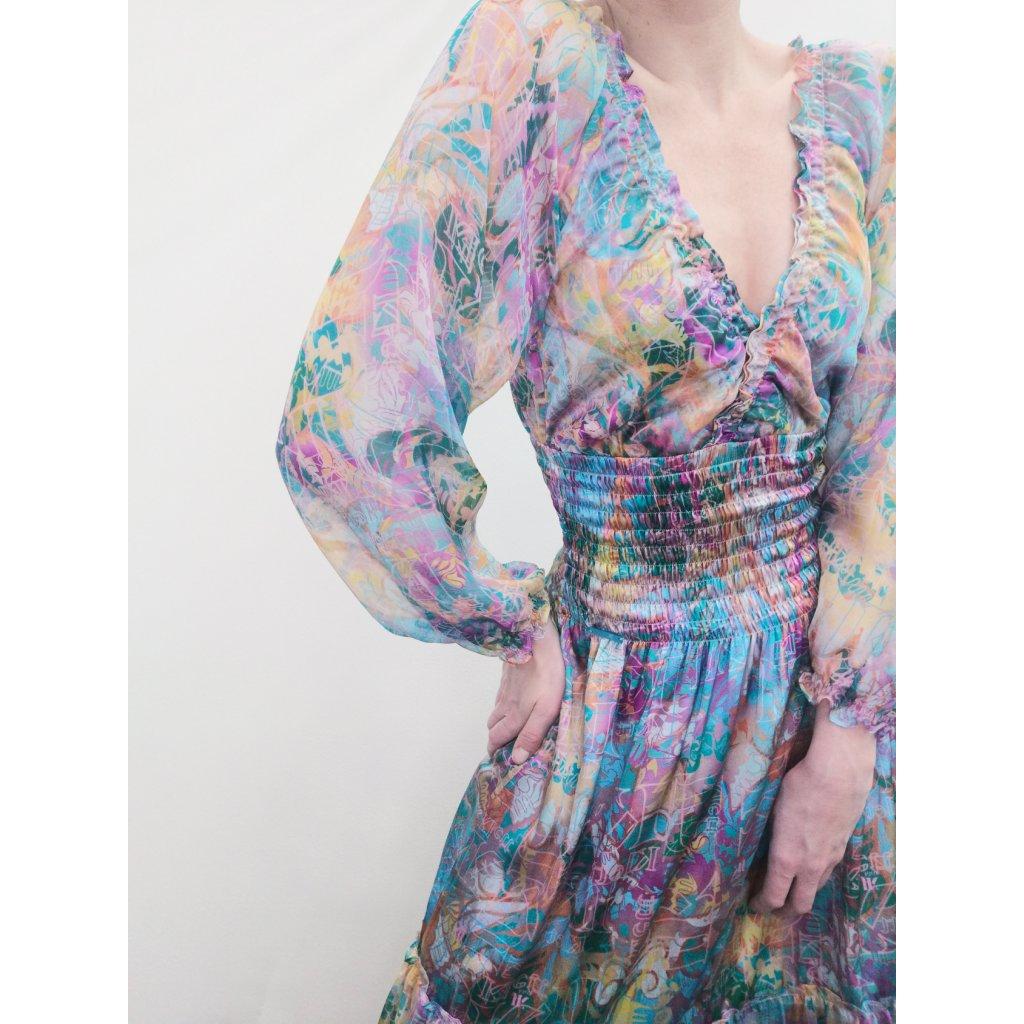 Hedvábné maxi šaty s jemně padnutými rukávy