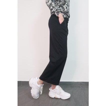 Zkrácené, rovné kalhoty LIBERTA